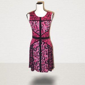 Just Taylor Sleeveless Midi Dress